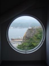 まる窓-1.JPG